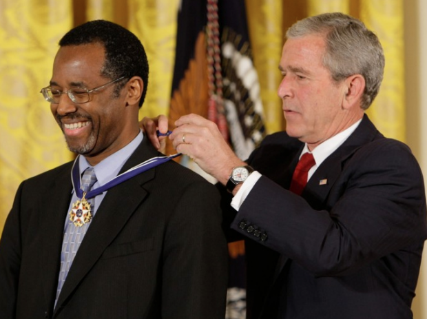 Dr. Carson receiving the Presidential Medal of Freedom in 2008