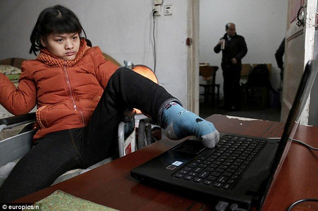 Chinese girl with cerebral palsy Hu Huiyuan